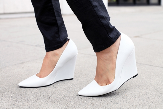 zara white leather court wedge pumps