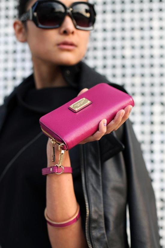 michael kors iphone zip wallet wristlet
