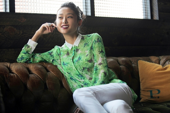 catching couture michelle forstadt johan ku silk blouse meredith wendell dot ring