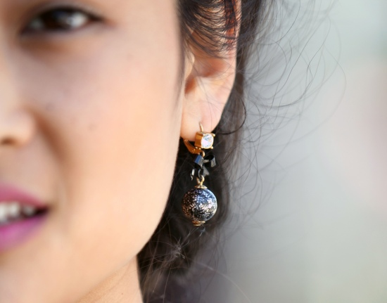 betsey johnson bow pearl earring