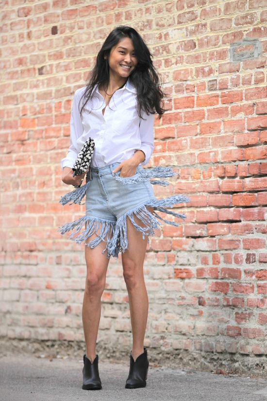 gap white fitted boyfriend shirt white buttonup asos denim shorts with extreme fringing