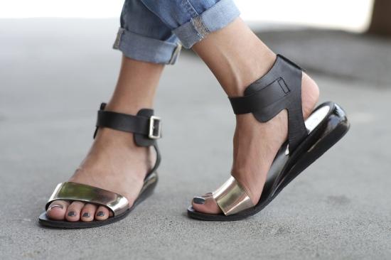 kelsi dagger genna flat sandals