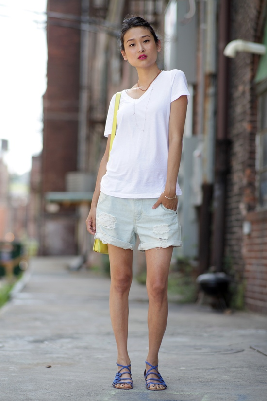 forever 21 favorite v-neck tee distressed denim shorts