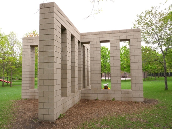 SOL LEWITT X WITH COLUMNS